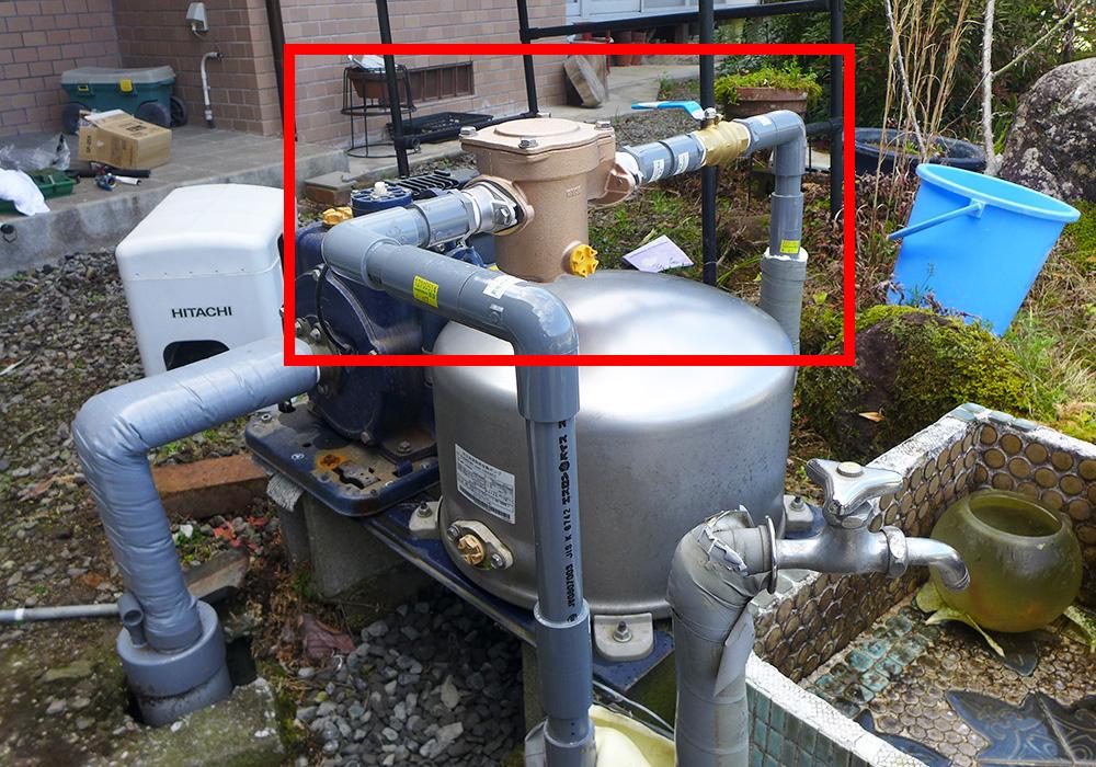 カトーデンキ お仕事日記 給水ポンプに砂こし器を設置